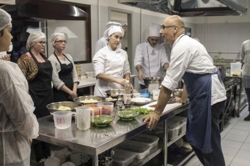 O chef Luciano Lunkes também é professor de gastronomia na Univates. (Foto: Reprodução)