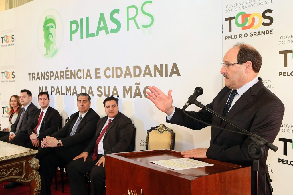 A plataforma também permite que o cidadão consulte os salários nominais e as diárias retiradas por todos os servidores da administração direta ou indireta. (Foto: Luiz Chaves/Palácio Piratini)