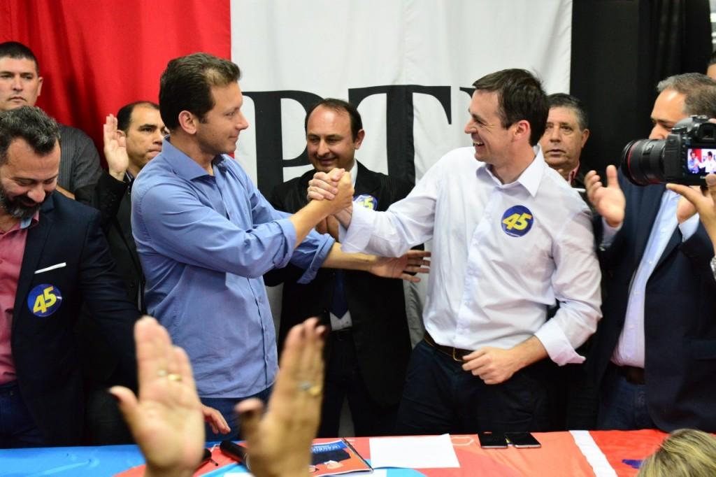 Anúncio foi feito na sede do PTB, em Porto Alegre (foto: Eduardo Beleske/PSDB/divulgação)