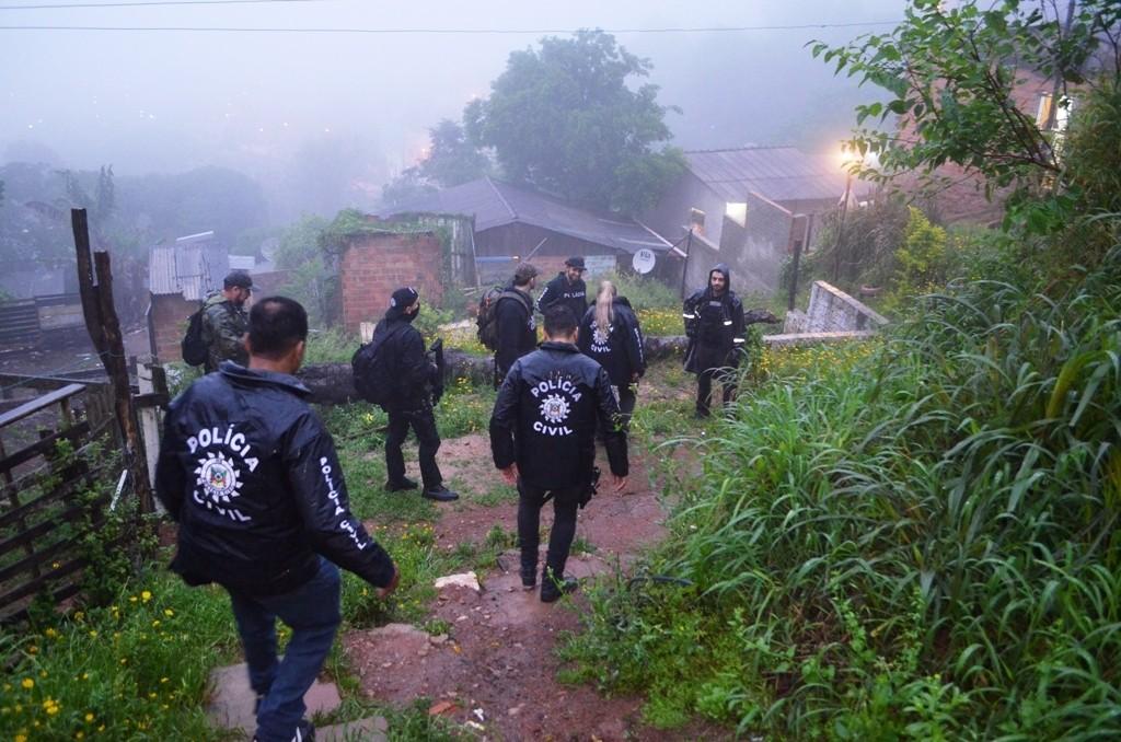 Cinco criminosos foram presos (Foto: Polícia Civil/Divulgação)