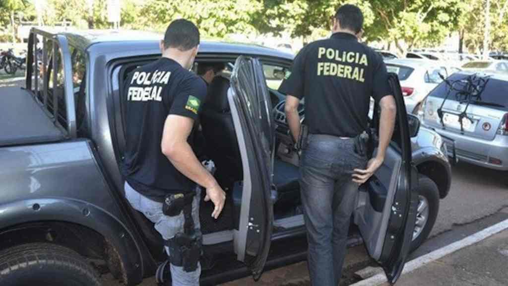 Resultado de imagem para policia federal em ação