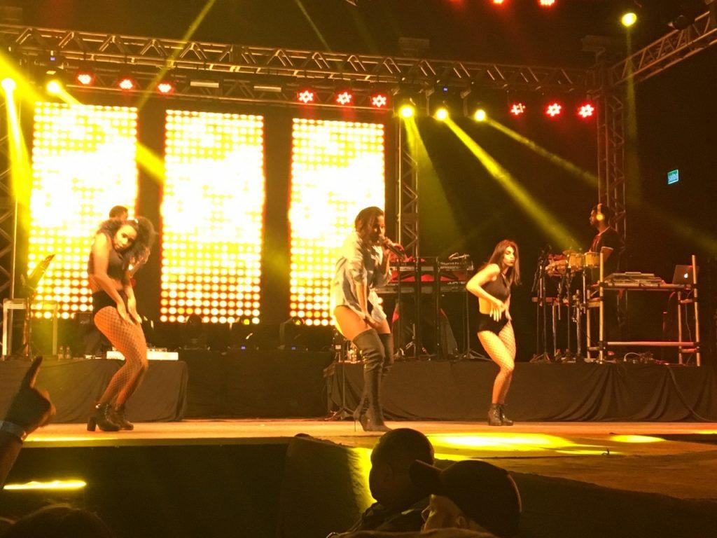 Anitta se apresentou na madrugada de sexta para sábado na Capital. (Foto: Fabrícia Albuquerque/o Sul)