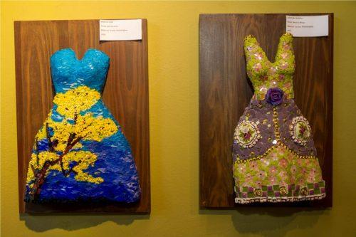 """No detalhe: os vestidos """"Ipê Amarelo"""" e """"Menina Moça"""", criados respectivamente por Marcia Iurk e Carolina Kawall. (Foto: Pedro Antonio Heinrich/especial)"""