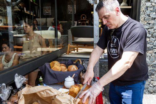 Desejo de pão: Leonir Martello. (Foto: Pedro Antonio Heinrich/especial)