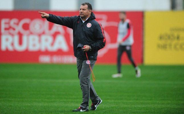 Com apenas 36% de aproveitamento, o treinador encerrou a sua terceira passagem pelo clube (Foto: Ricardo Duarte/Internacional)