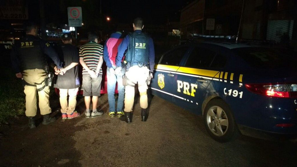 Três homens foram presos (Foto: PRF/Divulgação)