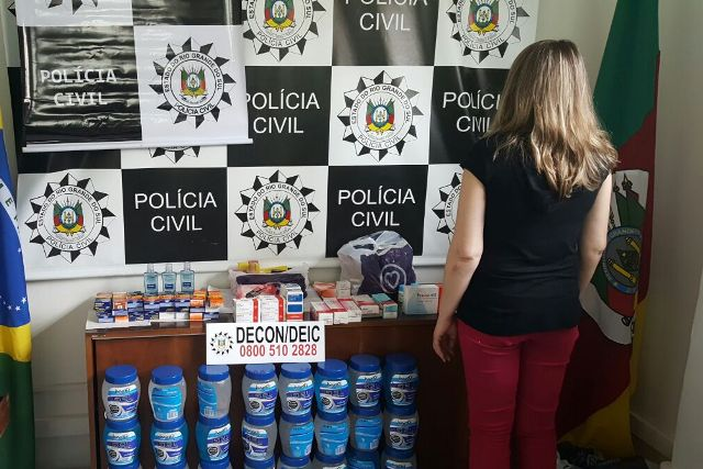 Dona de farmácia  responderá pela prática de crime contra saúde pública. (Foto: Polícia Civil/Divulgação)