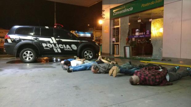 Seis bandidos foram presos (Foto: Polícia Civil/Divulgação)