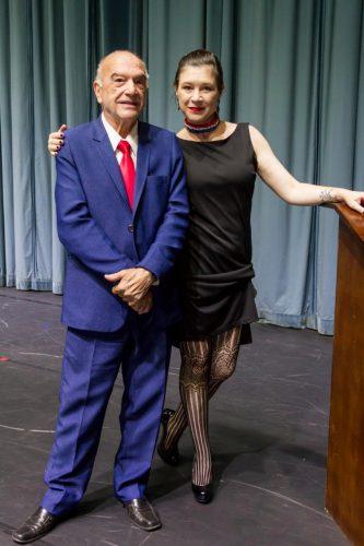 Núbia Huff, responsável pela gestão e divulgação do espetáculo, e Rony Leal, meître de ballet que serviu como inspiração para o roteiro da apresentação. (Foto: Pedro Antonio Heinrich/especial)