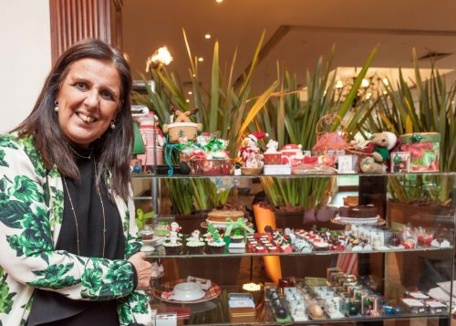 Lúcia Suñé levou suas criações doces à Feira de Natal organizada nos espaços do Country Club. (Foto: Pedro Antonio Heinrich/especial)