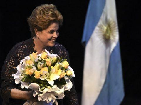 A ex-presidenta Dilma Rousseff durante evento em Buenos Aires, na Argentina. (Foto: Reprodução)