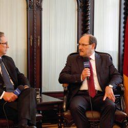 Governador José Ivo Sartori participou esta semana do Programa Pampa Debates, da TV Pampa, sob o comando de Paulo Sérgio Pinto. Fotos: Daniela Barcellos/Palácio Piratini.