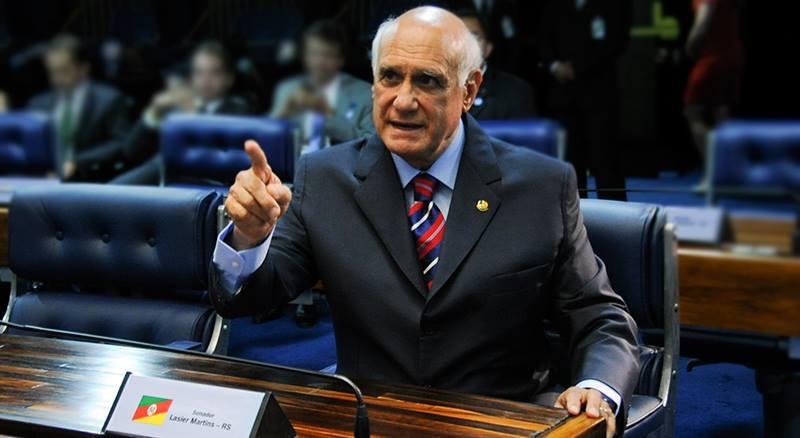 Lasier disse que a decisão foi tomada após ameaça do presidente nacional da sigla. (Foto: Reprodução/Facebook)