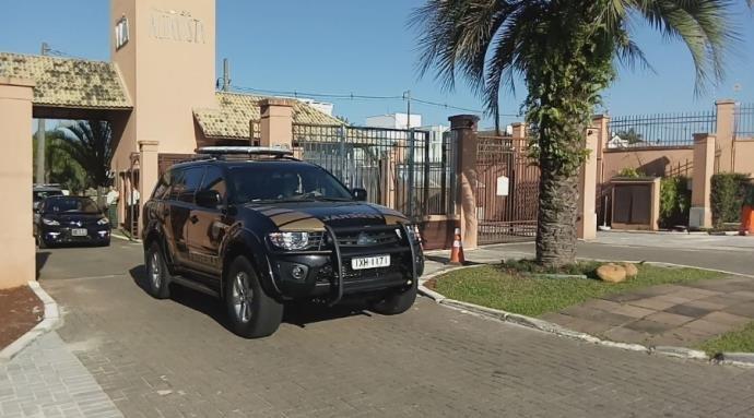 Agentes estiveram na casa de Marco Maia, em Canoas (Foto: Polícia Federal/Divulgação)