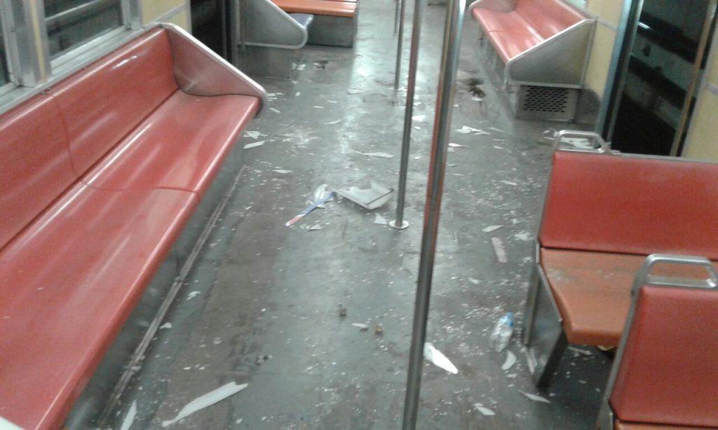 Grupo promoveu diversos danos. (Foto: Trensurb/Divulgação)