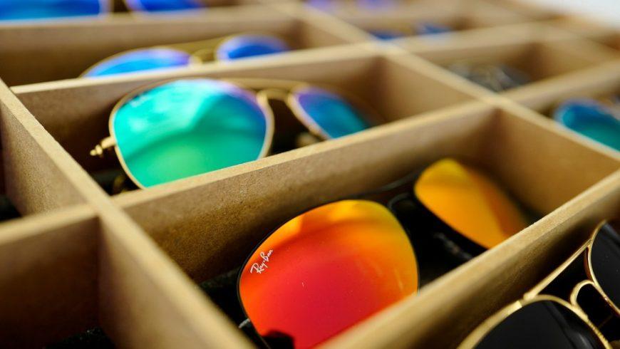 Fusão entre empresas pode criar gigante no setor de óculos 03d74d4059
