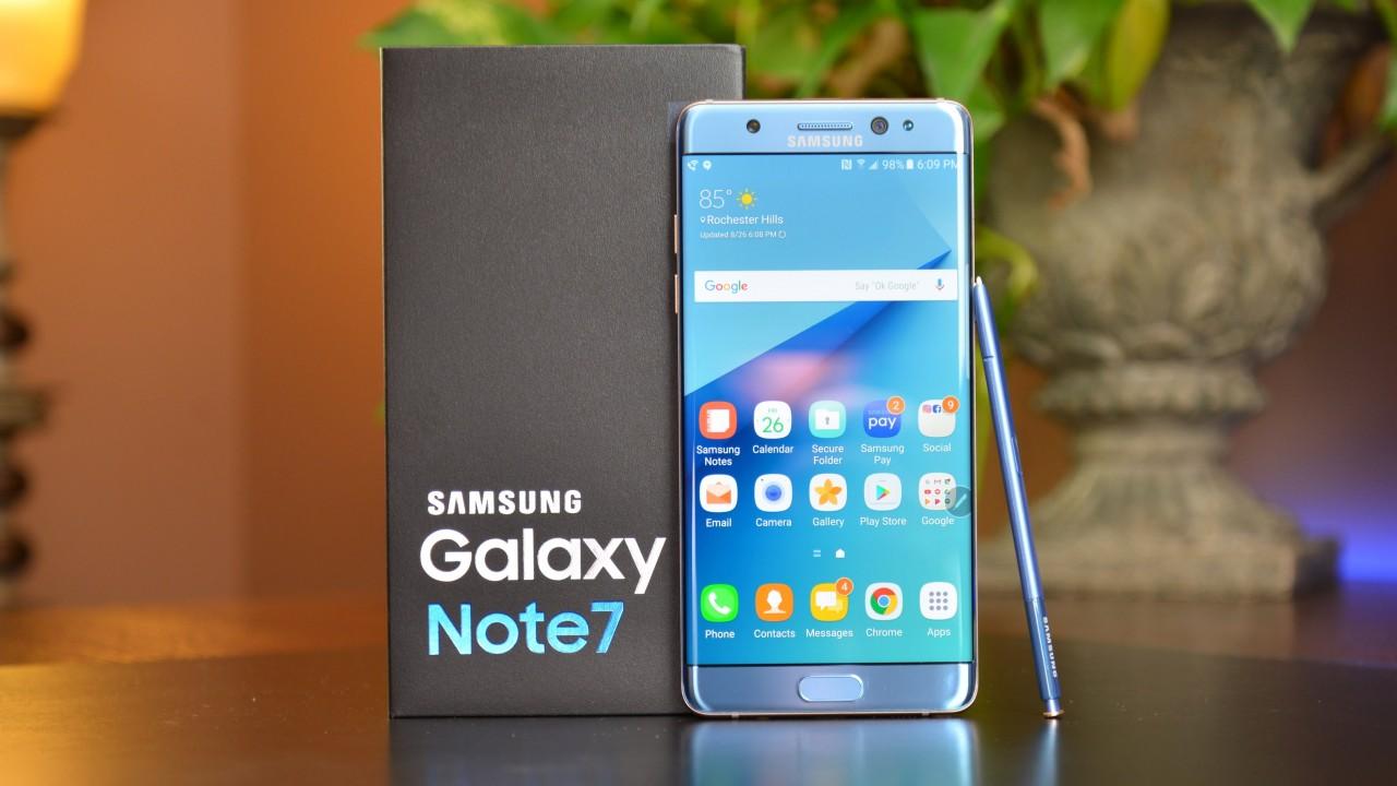 Defeitos nas baterias fizeram com que o celular Galaxy Note 7 pegasse fogo. (Foto: Reprodução)