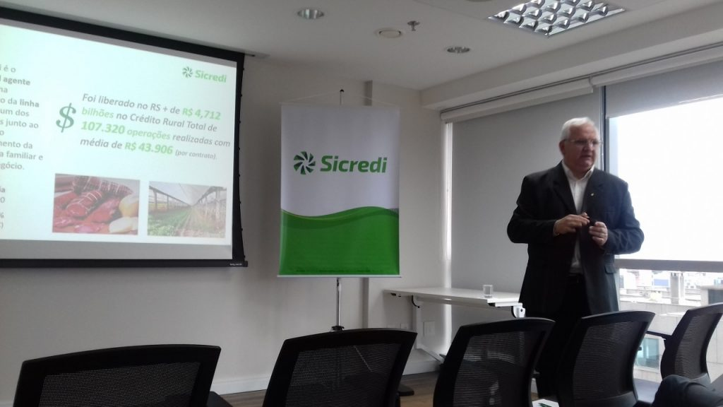 Gerson Seefeld, diretor executivo da Central Sicredi Sul apresentou os bons números da Cooperativa.