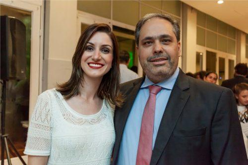 Carolina Weber com o marido Gustavo Paim, vice-prefeito da capital. (Foto: Pedro Antonio Heinrich/especial)