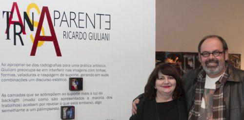 """Ana Zavadil e Ricardo Giuliani levam a mostra """"TransAparente"""" para o Congresso Nacional, em Brasília. (Foto: Nilton Santolin/divulgação)"""