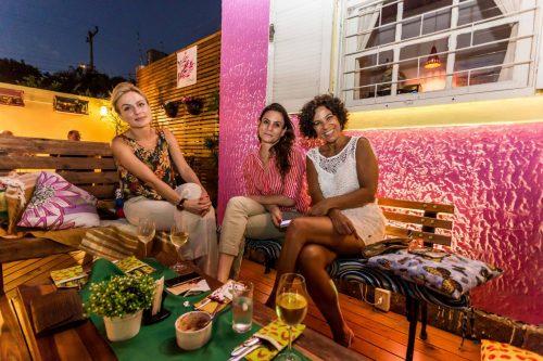 Descontração entre amigas: Luciana Moraes, Ana Paula Moraes e Luciana Boaz. (Foto: Pedro Antonio Heinrich/especial)