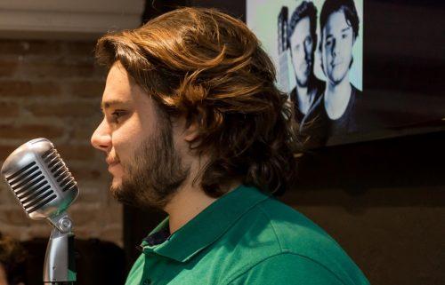 Ricardo Seffner encantou o público com sua voz. (Foto: Pedro Antonio Heinrich/especial)