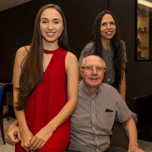 Álbum de família: Gabrielle Fleck com os pais, Lenira Fleck e Hugo Fleck. (Foto: Pedro Antonio Heinrich/especial)