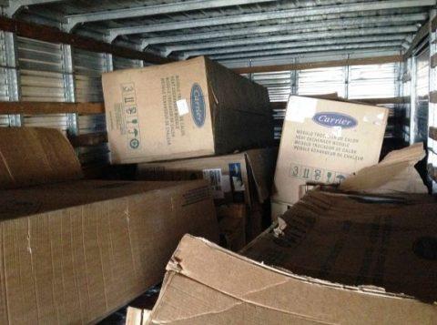 Todo o material estava armazenado no interior de um caminhão, localizado em um galpão no bairro Vila Nova, na Capital (Foto: Polícia Civil/Divulgação)