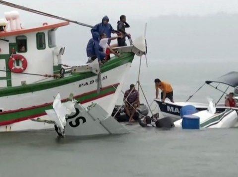 O Grupo Emiliano, dono da aeronave, disse que já contratou uma empresa especializada para retirar o avião. (Foto: Reprodução)