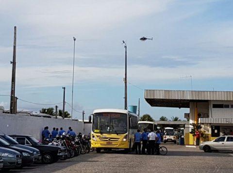 Ônibus deixaram as garagens na manhã desta segunda-feira (23) (Foto: Divulgação)