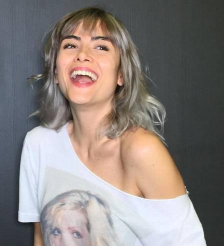 Maria Casadevall vai substituir Carol Castro em novela. (Foto: Reprodução/Instagram)