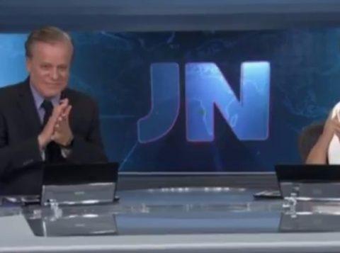 Chico Pinheiro encerrou o Jornal Nacional aplaudindo catador de lixo de 72 anos. (Foto: Reprodução)
