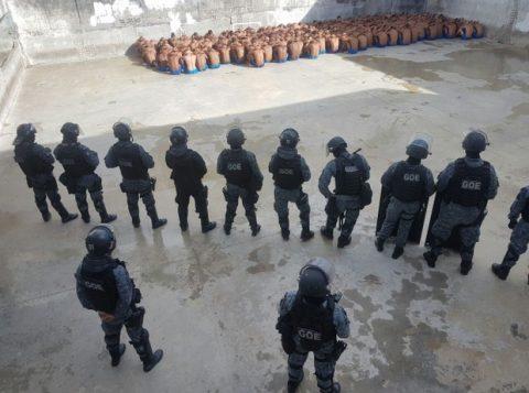 Rebelião controlada no Presídio Provisório Professor Raimundo Nonato, em Natal, pelo Batalhão de Operações Especiais. (Foto: Divulgação/Sindicato dos Agentes Penitenciários do RN)