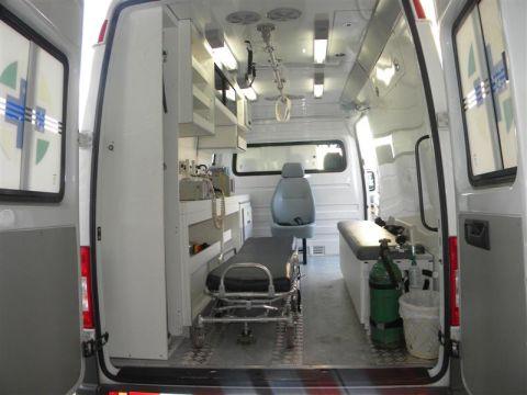 Nesse tipo de veículo, a equipe conta com médico e enfermeiro, não apenas socorristas. (Foto: Reprodução)