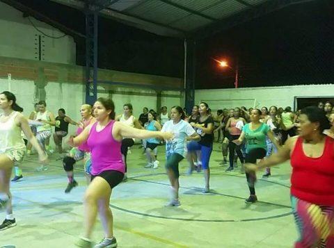 """Professores realizaram """"aulão de Zumba solidária"""" em Teresina. (Foto: Arquivo pessoal/Jucyara Silva)"""