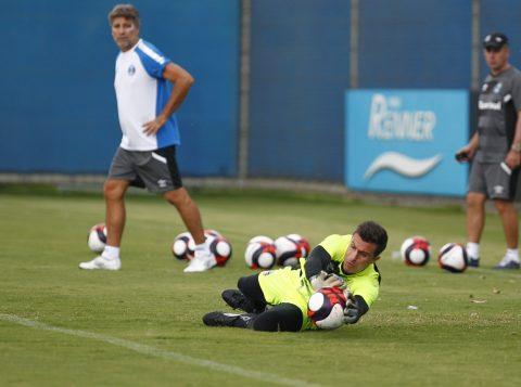 Treinamento desse sábado dedicou atenção especial às cobranças de faltas e pênaltis. (Foto: Lucas Uebel/Grêmio)