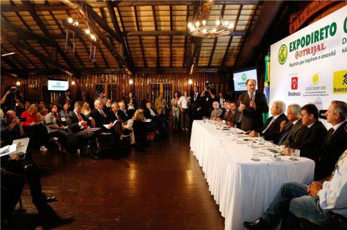 Concentrando todas as atenções foi dado o passo inicial da Expodireto Cotrijal 2017 no Galpão Crioulo do Palácio Piratini. (Foto: Daniela Barcellos/Palácio Piratini)