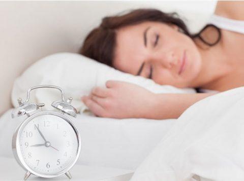 Uma  noite de sono interrompido afeta dois hormônios-chave relacionados à fome (foto: reprodução)