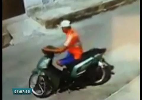 Um homem sem uma perna e outro sem um dos olhos assaltou um funcionário da Companhia de Água e Esgoto do Ceará. (Foto: Reprodução)