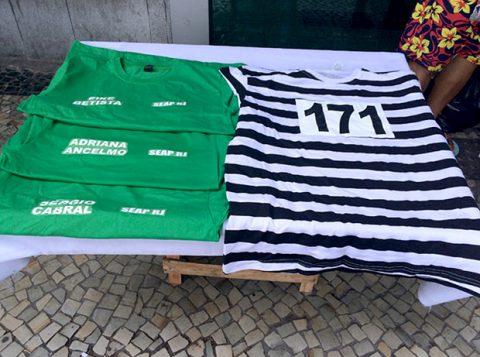 Uniformes de presídios viram fantasia no ano em que Sérgio Cabral e Eike Batista foram presos. (Foto: Reprodução)