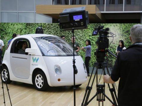 Projeto de veículo autônomo do Google passou a ser desenvolvido pela Waymo. (Foto: Reprodução)