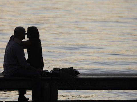 """Pesquisa analisou """"intervalo de orgasmos"""" entre gêneros e diferentes orientações sexuais (Foto: Reuters)"""