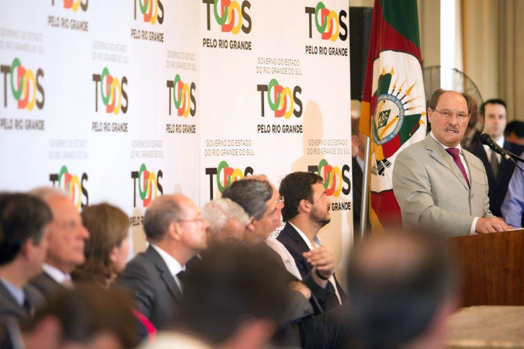 Governador José Ivo Sartori anunciou os repasses em cerimônia no Palácio Piratini (Foto: Karine Viana/Palácio Piratini)