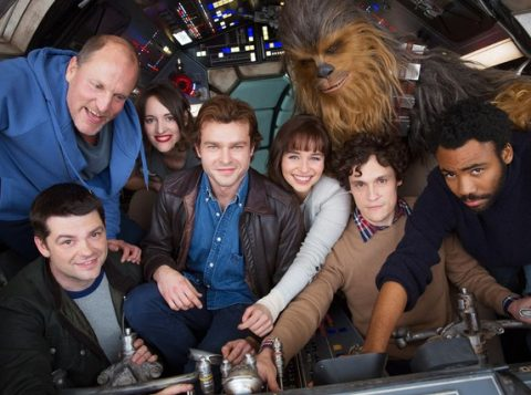 Elenco de filme de Han Solo posta foto reunido após começo das filmagens. (Foto: Divulgação/Disney)