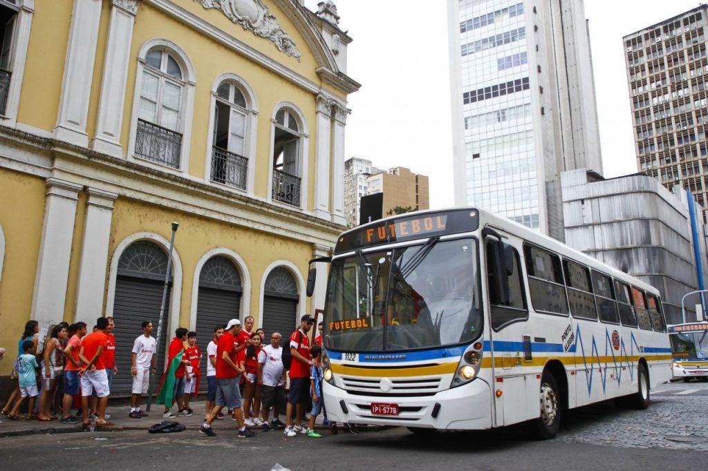 Linha especial Futebol contará com seis ônibus a partir das 17h30. (Crédito:  Joel Vargas/PMPA)