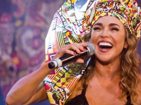 """Cantora Daniela Mercury fez apelo: """"Não agarre as meninas à força"""" (Foto: Reprodução/Facebook)"""