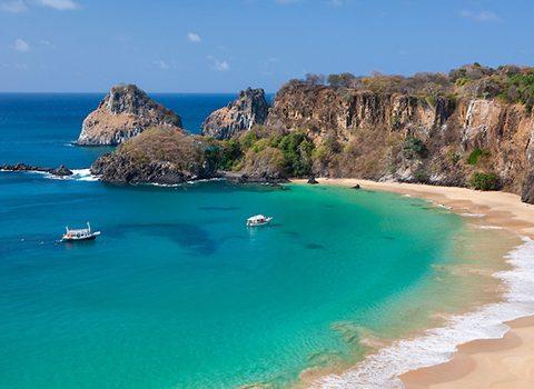 A Praia do Sancho faz parte do Parque Nacional Marinho. (Foto: Reprodução)