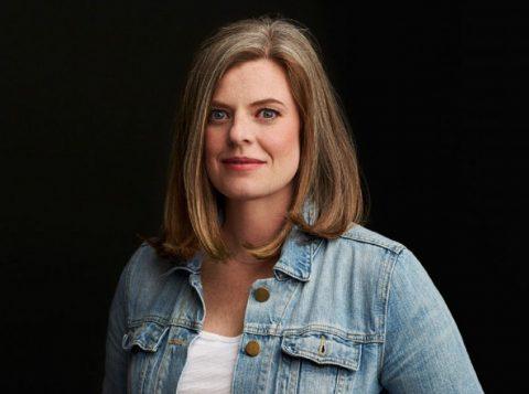 A nova-iorquina Siobhan Vivian é autora de outros sete romances (foto: reprodução)