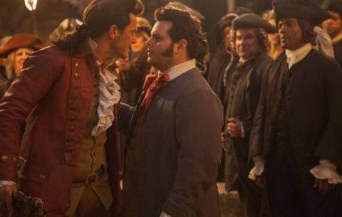 """""""Cena gay"""" entre os personagens Gastón e Le Fou gerou polêmica em alguns países. (Foto: Reprodução)"""