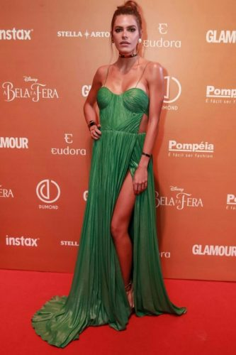 Mariana Goldfarb e o vestido da discórdia (foto: reprodução)